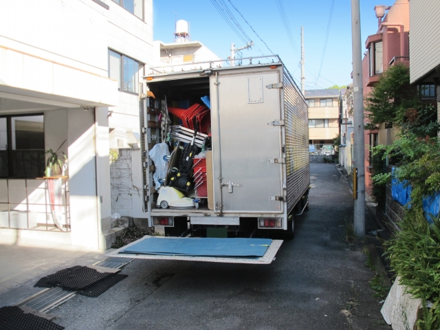 引っ越しとトラック